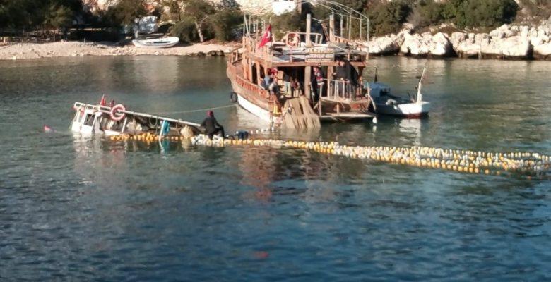 Mersin'de fırtınada tekne battı