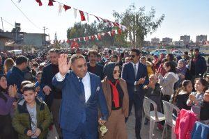 Tarsus'ta Halı Saha ve Spor Kompleksi düzenlenen törenle hizmete açıldı