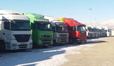 Dondurucu soğukta 26 gündür Özbekistan'a geçmeyi bekliyorlar