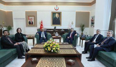 Elvan, bakanlarla Mersin'deki yatırımları görüştü