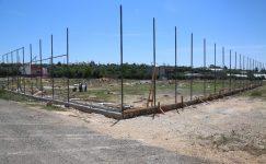 Erdemli Belediyesi'nden Karakeşli'ye futbol sahası