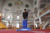 Erdemli'de camilerin temizliğine devam ediliyor