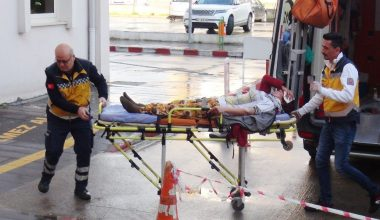 Mersin'de işçi minibüsü kaza yaptı: 1 ölü, 15 yaralı