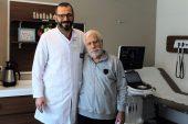 81 yaşında neştersiz kalp ameliyatı oldu