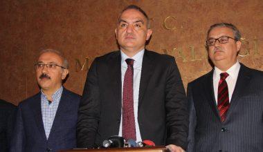 """Bakan Ersoy: """"İlk uçak piste indiğinde turizm için ana kapılardan biri Mersin'de açılmış olacak"""""""
