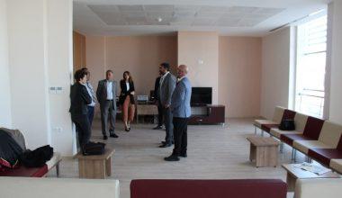 Baro Başkanı Yeşilboğaz, Erdemli Adalet Sarayı'nda incelemelerde bulundu