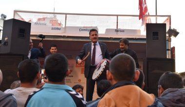Başkan Tuna, Mersin'deki Romanlarla bir araya geldi