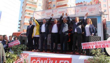 Elvan, Hamit Tuna ile birlikte Serdar Soydan'ın seçim bürosunu açtı