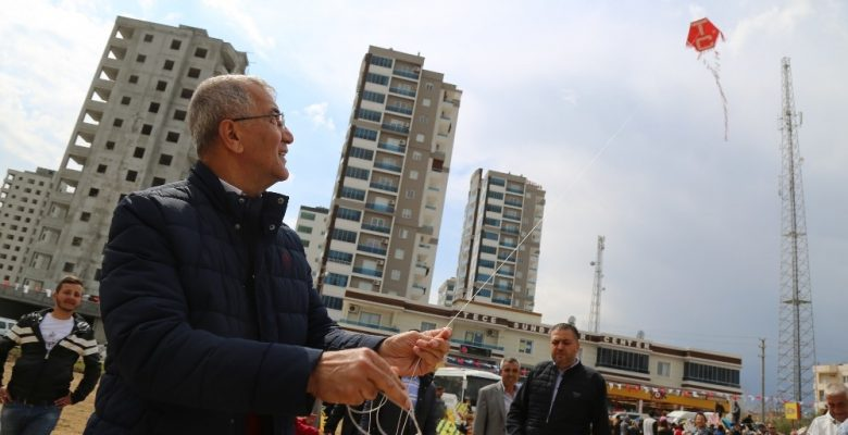 Mezitli Belediyesi Uçurtma Şenliği düzenledi