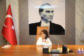 Başkan Tarhan'ın koltuğuna Kader oturdu