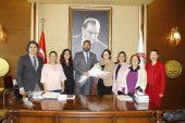 Mersin Barosu'ndan Türk Kadınlar Birliği'ne destek