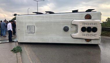 Mersin'de işçileri taşıyan midibüs devrildi: 6 yaralı
