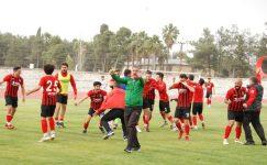 Silifke Belediyespor şampiyonluk maçına hazırlanıyor.