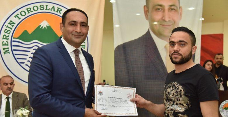 TAMEB projesine katılan Suriyeliler sertifikalarını aldı