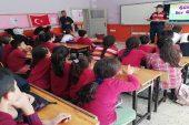 Jandarma trafik timlerinden bin 800 öğrenciye eğitim