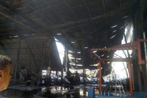 Strafor fabrikası yandı