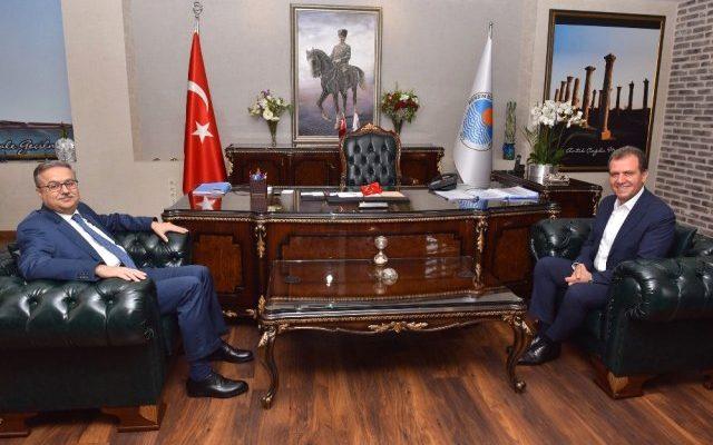 Vali Su'dan Başkan Seçer'e 'Hayırlı Olsun' Ziyareti