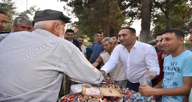 Başkan Yılmaz, vatandaşlarla bayramlaştı