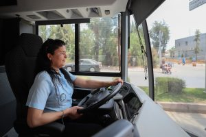 Kadın şoförler direksiyon başında