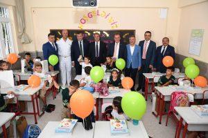 Başkan Seçer İlköğretim Haftası Kutlamalarına Katıldı