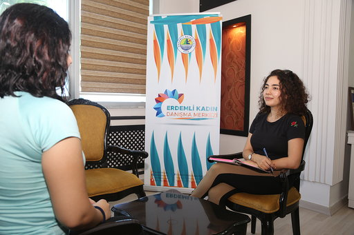 Uzman Psikologlarla Kadın Danışma Merkezi hizmet veriyor