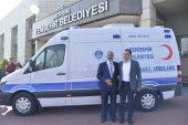 Hayırsever Arıkan, Yenişehir Belediyesi'ne  ambulans bağışladı.