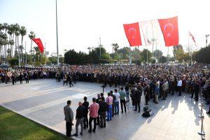 ULU ÖNDER ATATÜRK, MERSİN'DE ÖZLEMLE ANILDI