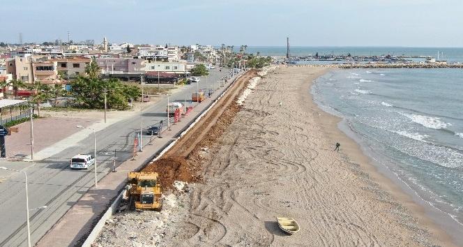 Karaduvar sahilinde iyileştirme çalışmaları devam ediyor