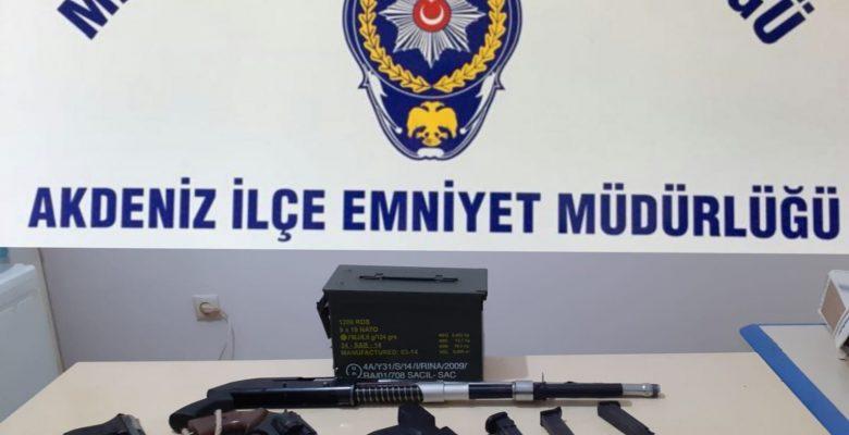 Polis Suçluları Yakaladı