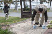 Mersin'de sokak hayvanları için birçok noktaya mama bırakılıyor