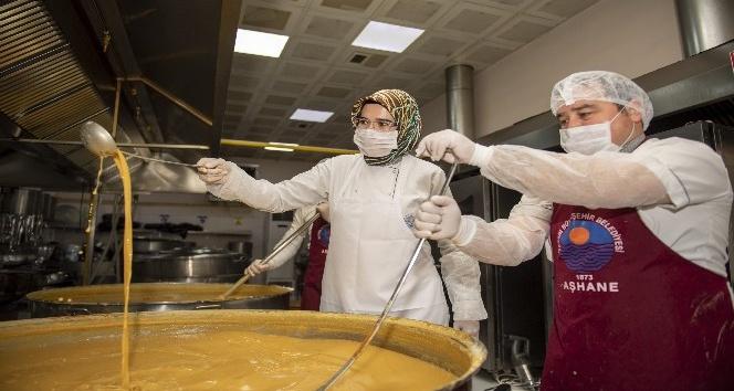 Günlük 6 bin kişilik yemek üretiliyor