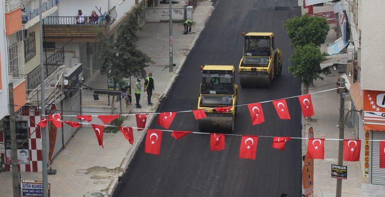 Sokağa çıkma yasağında asfalt çalışması yapıldı