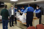 Akdeniz Belediyesi tarafından, 65 mahalleye 20 bin ekmek dağıtıldı