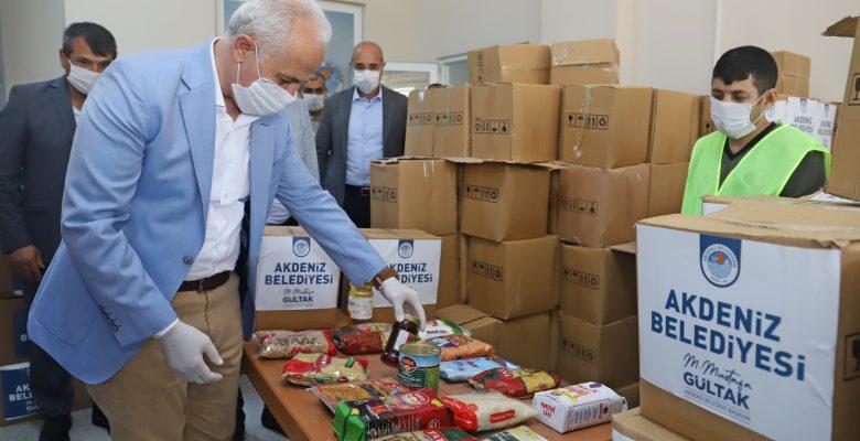 Akdeniz Belediyesi, Ramazan Kolilerini Dağıtmaya Başladı