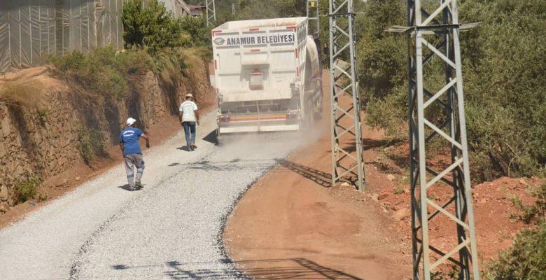 Anamur'da asfalt çalışmaları sürüyor