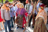 Seçer, Sarıkeçilileri Anlatan 'Turna Misali' Filminin Setini Ziyaret Etti