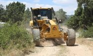 Erdemli'de kış aylarında bozulan bahçe yolları onarılıyor