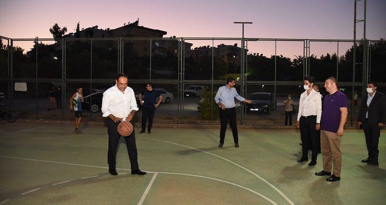 """""""Başkan Yılmaz, Gençlerle Basketbol Oynadı"""""""