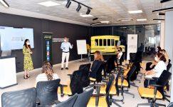 Kursiyer kadınlara e-ticaret ve dijital pazarlama eğitimi verildi