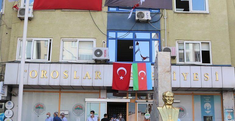TOROSLAR BELEDİYESİ'NDEN, AZERBAYCAN'A BAYRAKLI DESTEK