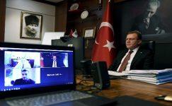 Seçer, Mersin'deki 'akıllı kent' uygulamalarını anlattı.
