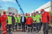 Başkan Seçer, İzmir'de vatandaşların acısını paylaştı