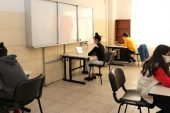 Toroslar Belediyesi öğrencilere EBA desteği sunuyor
