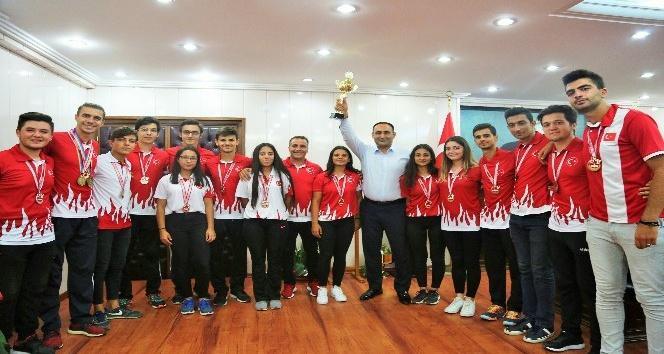 Toroslar Belediyesi Bocce Takımı Sezonu Şampiyon Kapattı