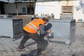 Erdemli Belediyesi, çöp konteynerlerini onararak yılda bir milyon TL tasarruf sağlıyor