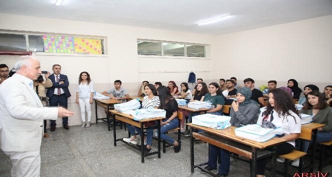 Akdeniz Belediyesinden üniversite sınavına hazırlanan öğrencilere destek