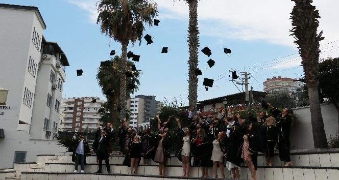 Hemşireler, mezuniyet sevinci yaşadı