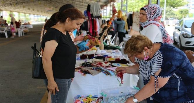 Erdemli de 'El Emeği Pazarı' açıldı.