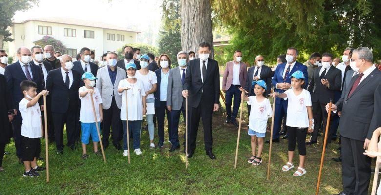 Milli Eğitim Bakanı Ziya Selçuk Mersin'de