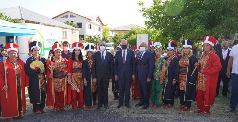 """""""Cumhurbaşkanı Ersin Tatar'ı Kadın Mehteranlar Karşıladı"""""""